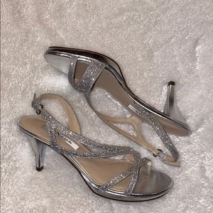 Nina Silver shiny formal shoe